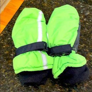 Thinsulate gloves 4-7 years old waterproof